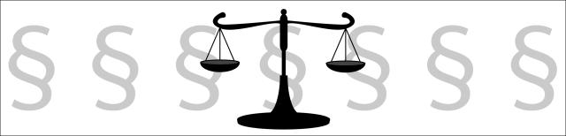 Grafik: Im Hintergrund sind sieben Paragraphenzeichen in grauer Farbe in einer Reihe dargestellt. Davor befindet sich, mittig platziert, eine schwarze Waage mit zwei Waagschalen.